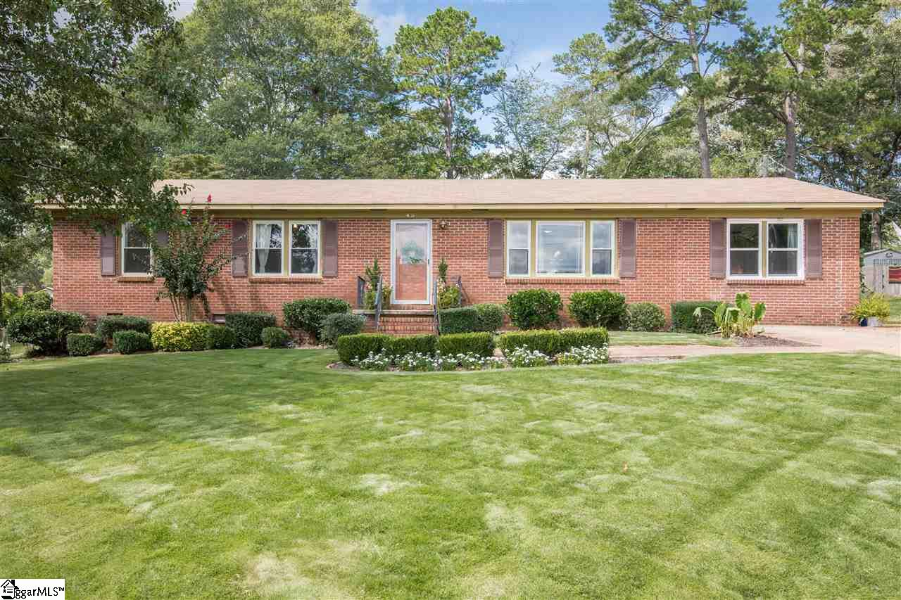 45 Montis Greenville, SC 29617