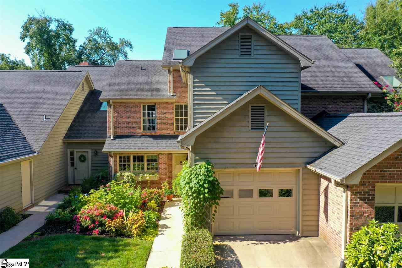 109 Hunters Greenville, SC 29617