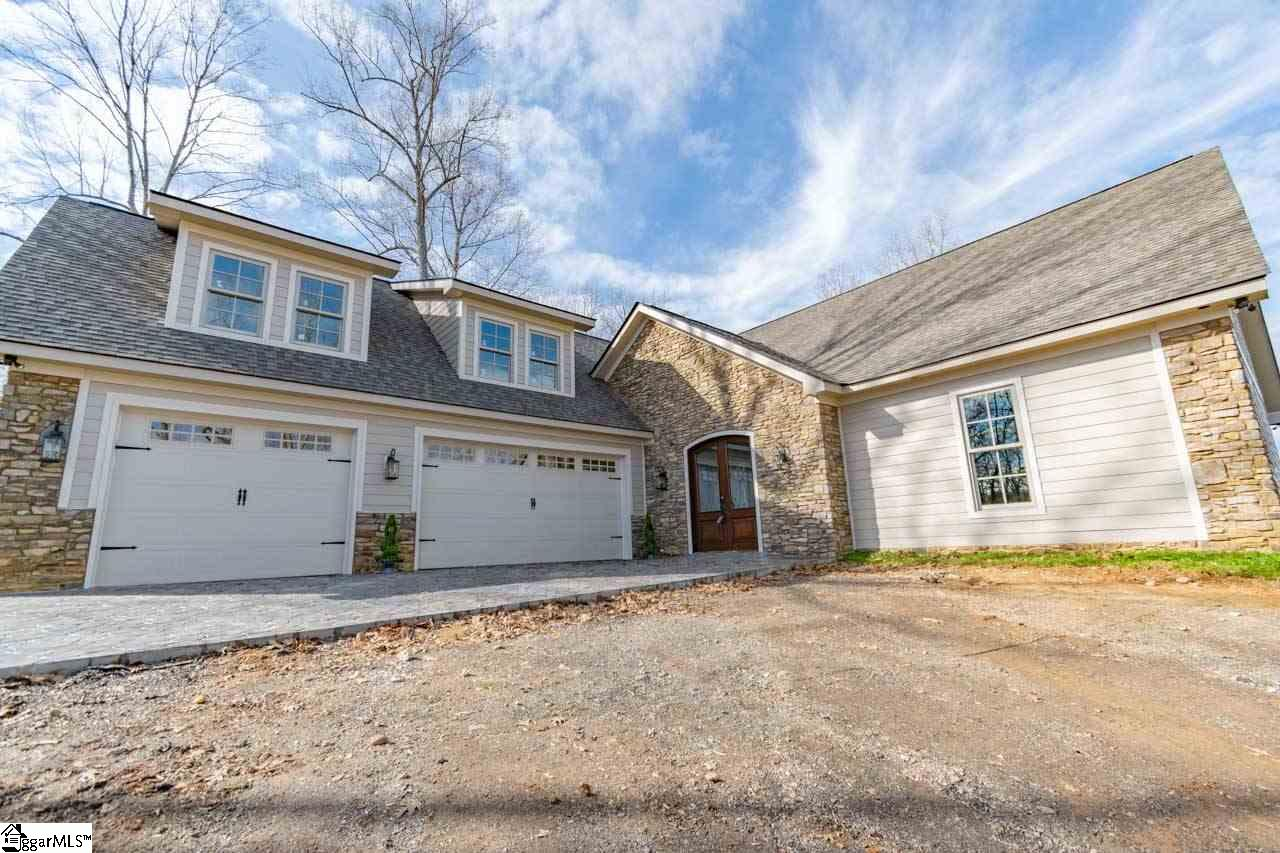 51 Lake Farm Travelers Rest, SC 29690