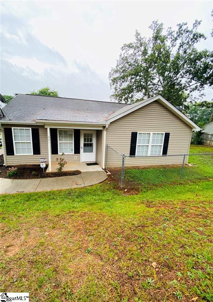 LOOKING FOR AFFORDABILITY? LOOKING FOR ACCESS TO DOWNTOWN GREENVILLE? LOOK NO FURTHER... This cute little cottage will make a great starter home for a first time home buyer. This 3Bd/2Ba with fenced back yard corner lot home was built in 2004 and is perfect for a single/small family. You don't want to miss this beauty.