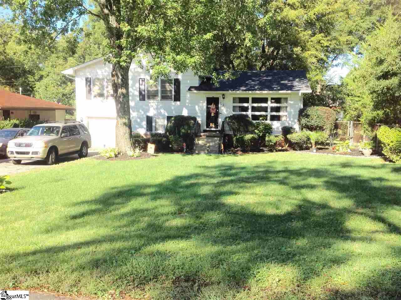 Location, location, location!!! This 3 bedroom 1 bath house is close to everything. Minutes from downtown Greenville, restuarants, shopping, Prisma Healthcare (main campus), and I-85. Has a new roof, beautiful original hardwood floors and a nice sized fenced backyard. Don't miss this deal!