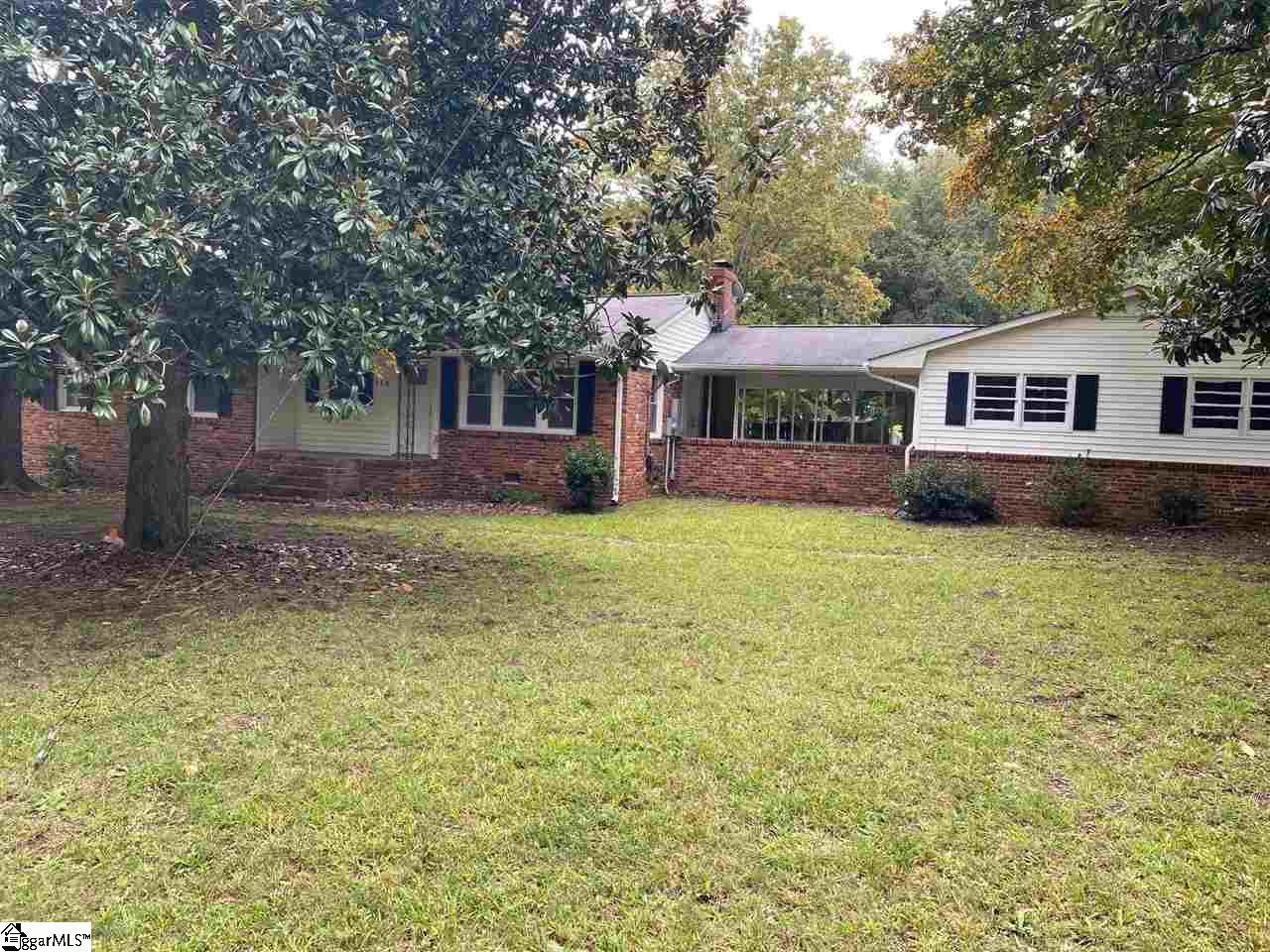 118 Clearview Greenville, SC 29605