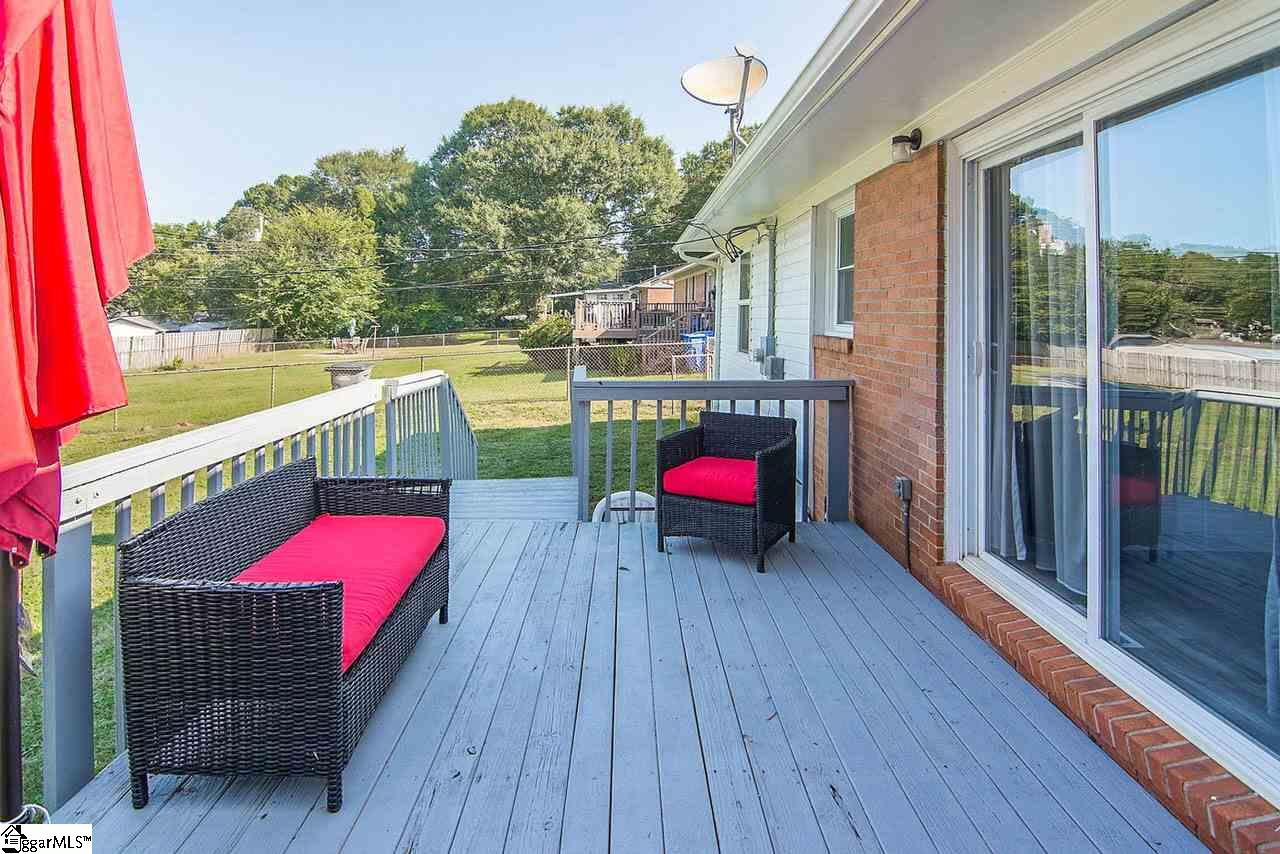 16 Wentworth Greenville, SC 29605