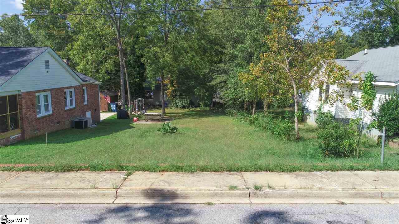 18 Lindberg Avenue Greenville, SC 29601