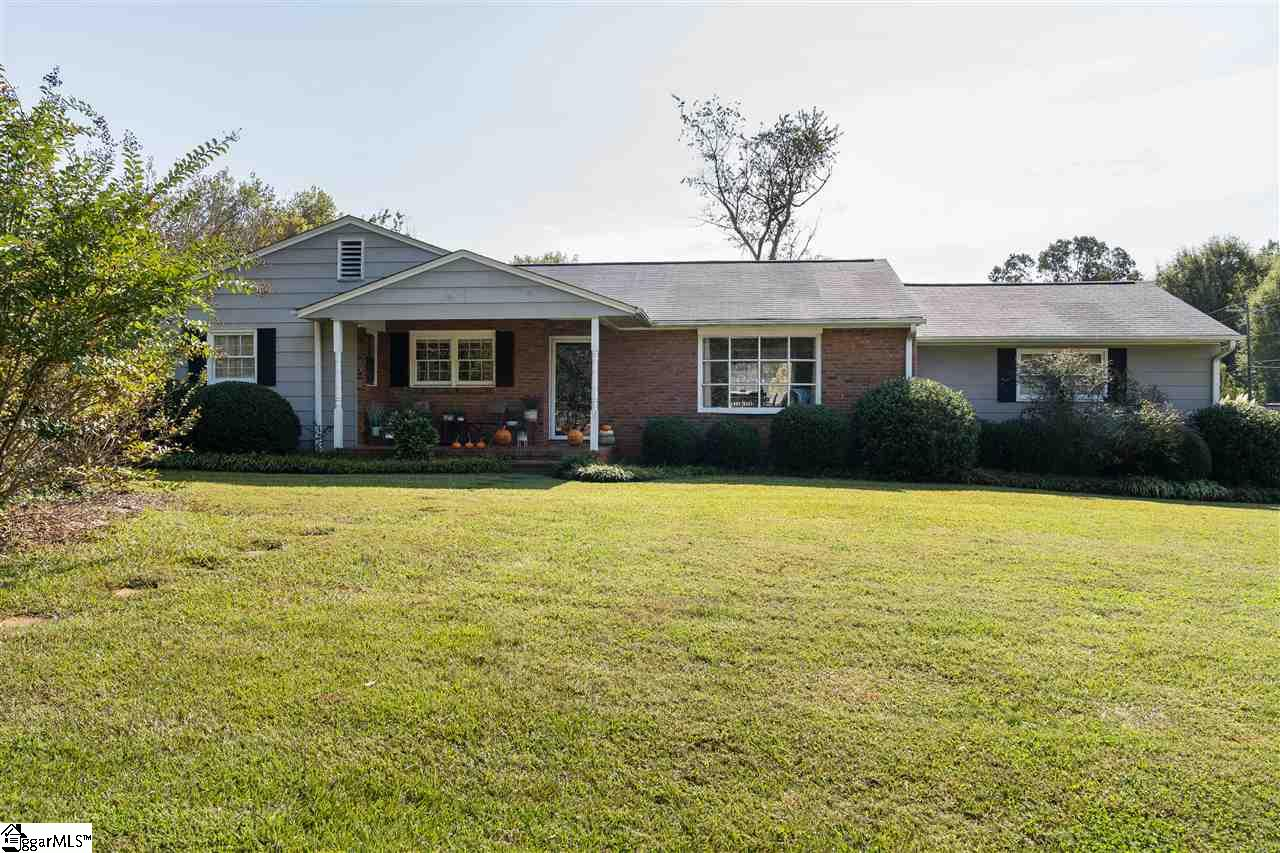 143 Woodhaven Drive Spartanburg, SC 29307