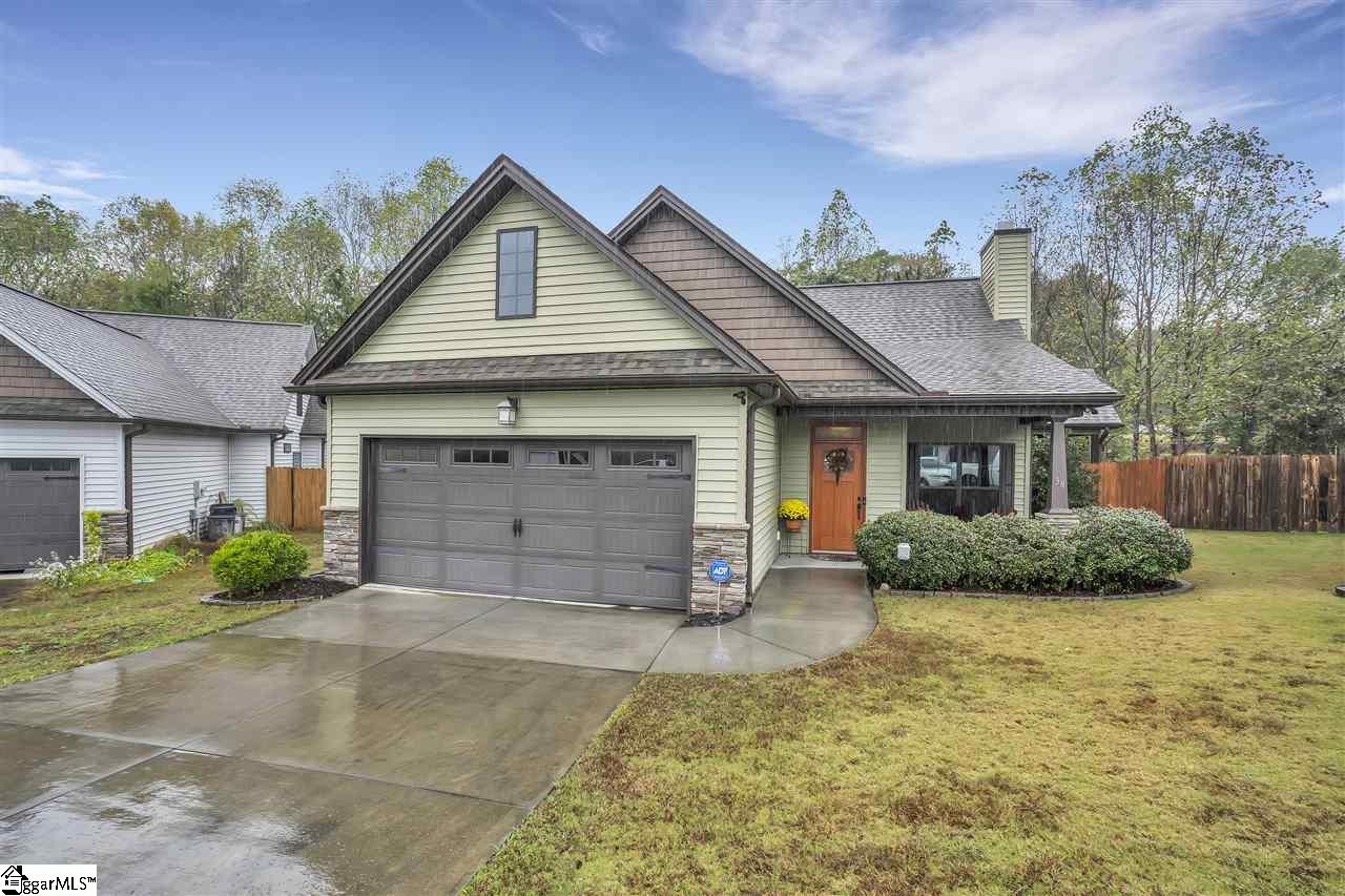 38 Cedar Brook Greenville, SC 29611