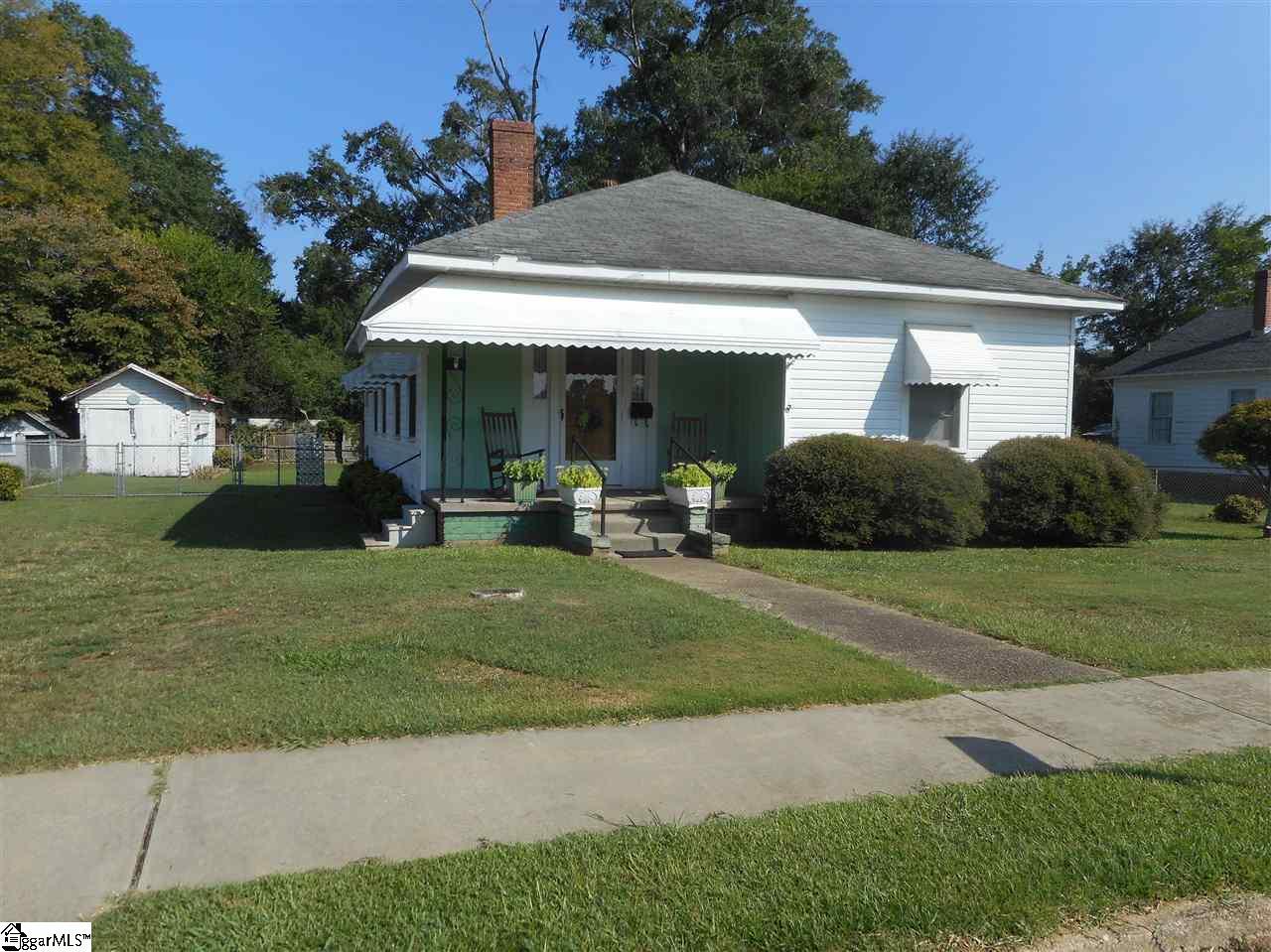 206 W Calhoun Street Joanna, SC 29351