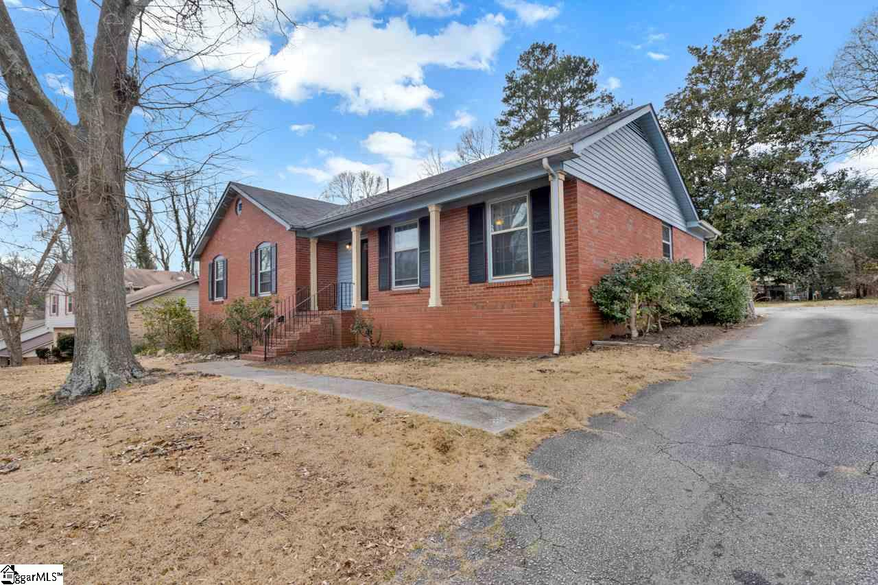 219 Fieldcrest Lane Spartanburg, SC 29301