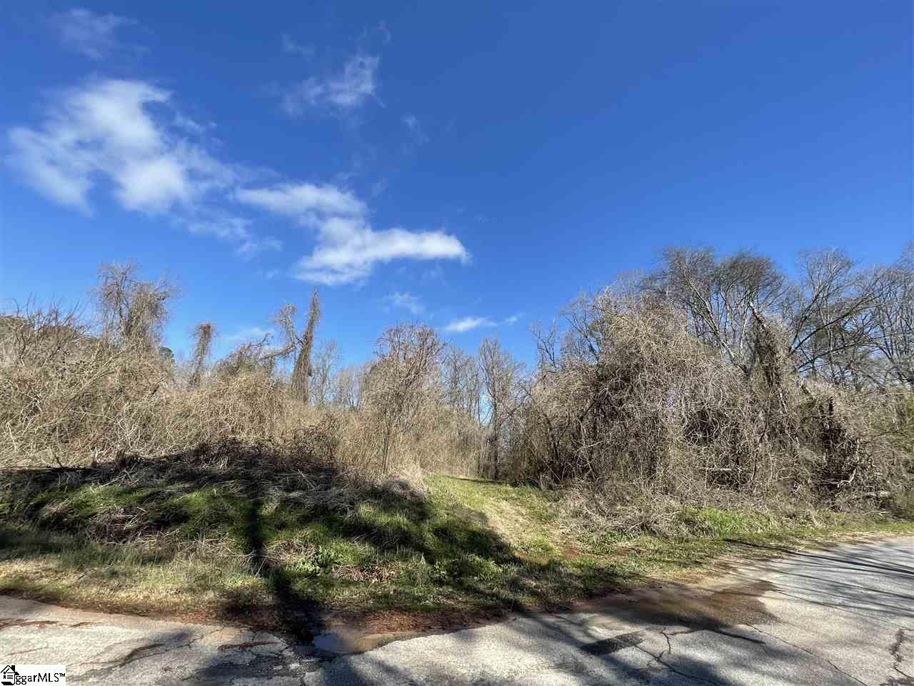 137 Seminole Drive Greenwood, SC 29646