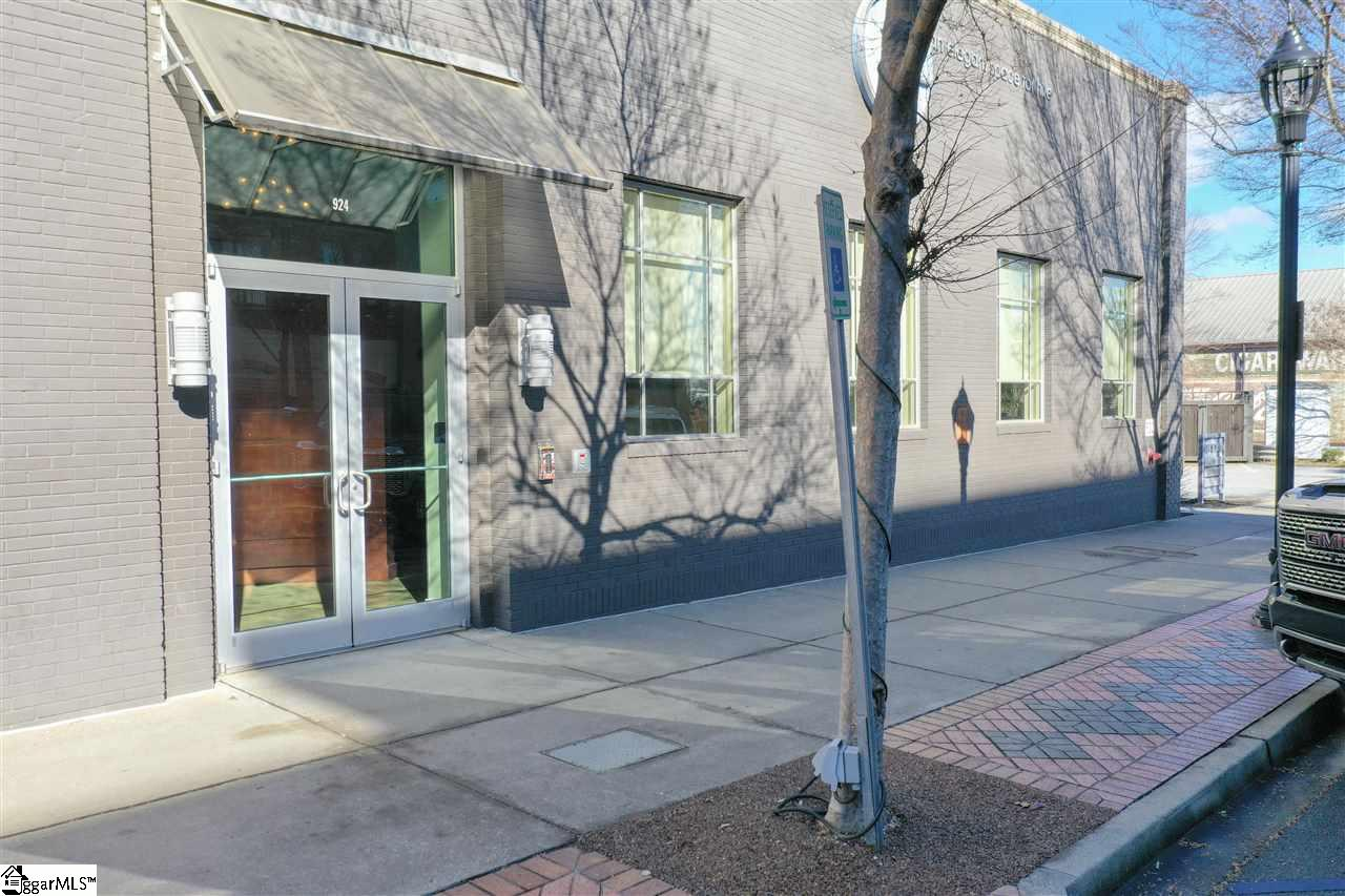 924 S Main Street Greenville, SC 29601