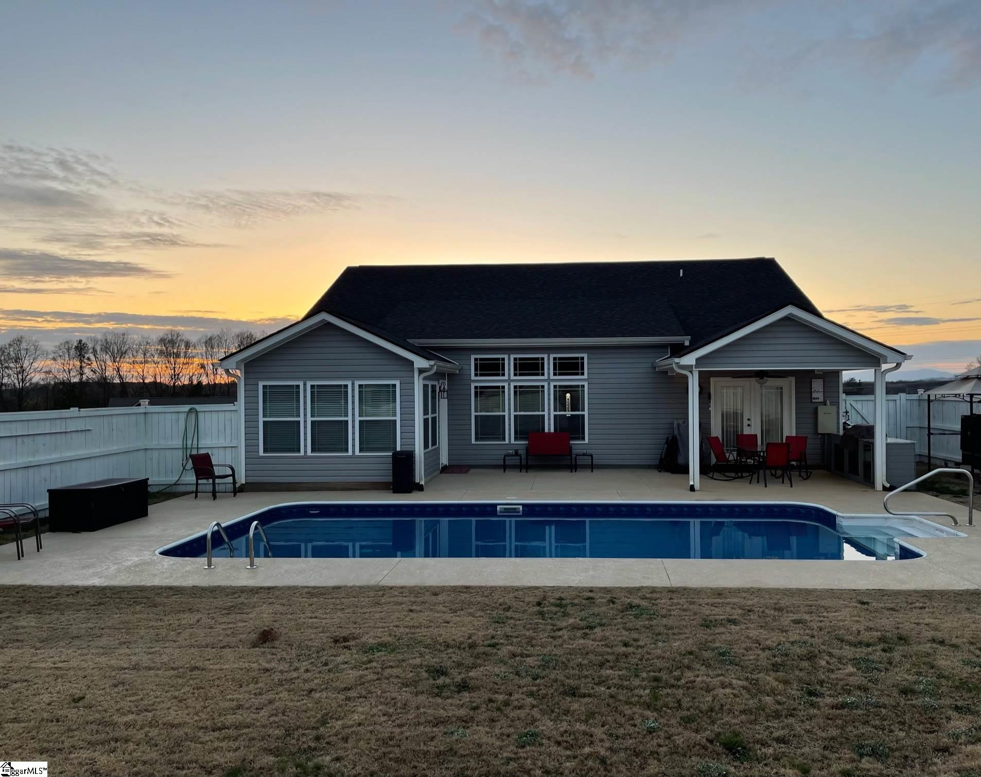 447 Roys Place Wellford, SC 29385