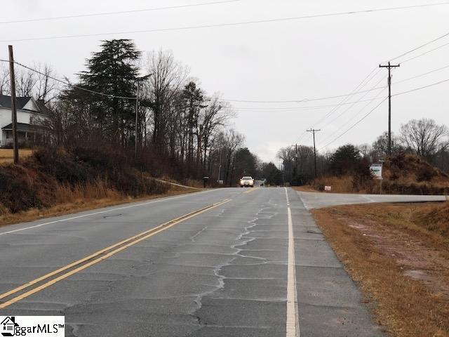 3894 N Highway Greer, SC 29651