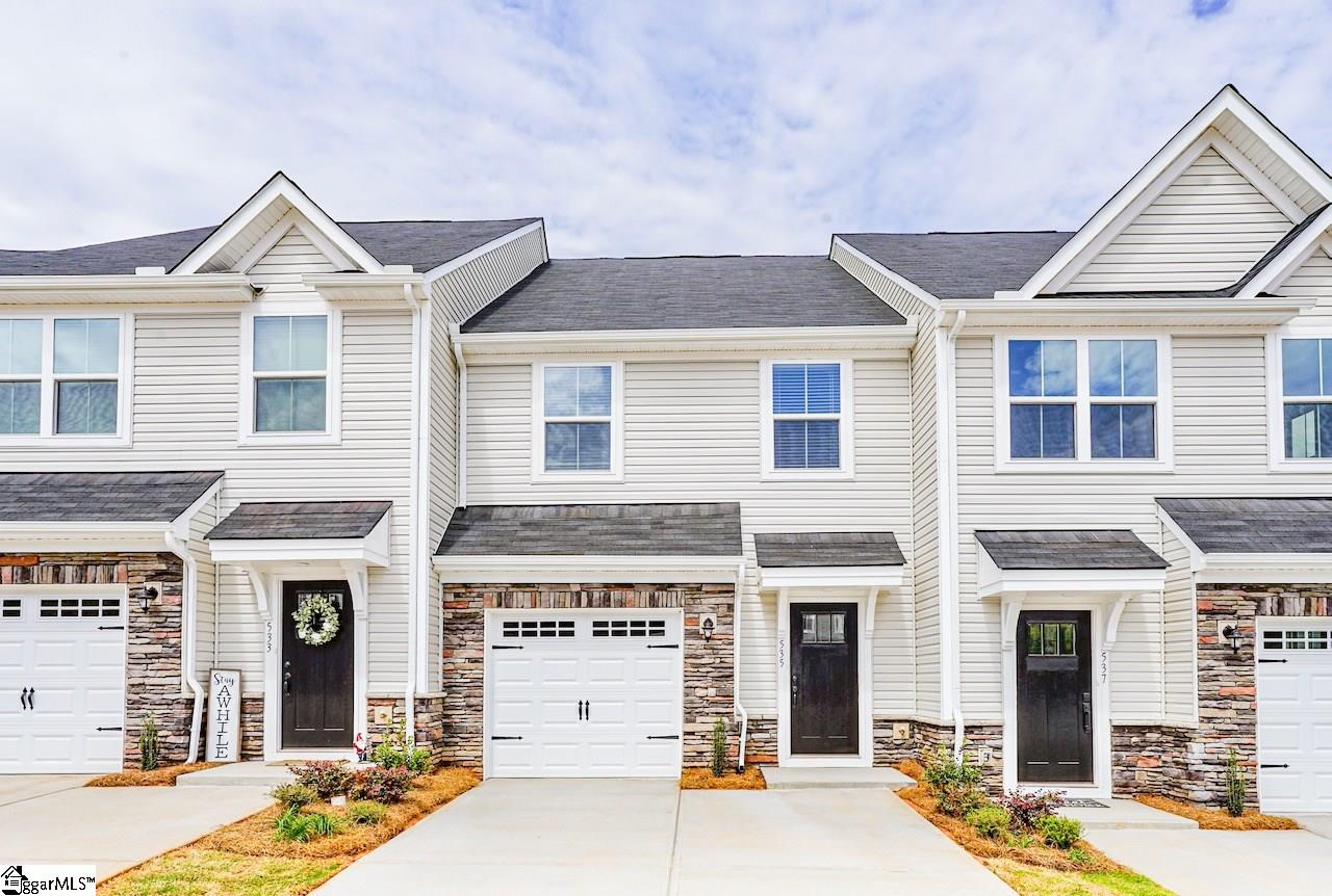 535 Huntingdale Place Simpsonville, SC 29681