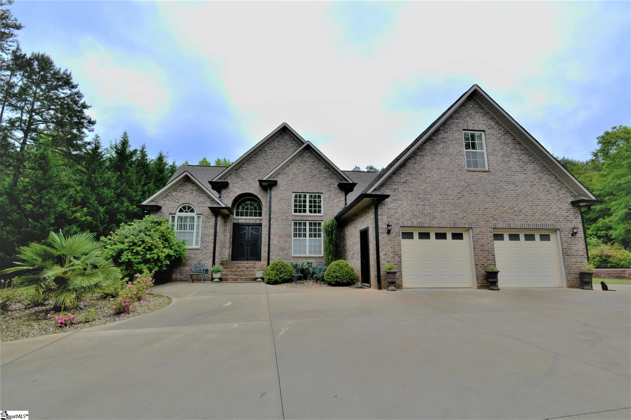 181 Bay Hill Drive Boiling Springs, SC 29316