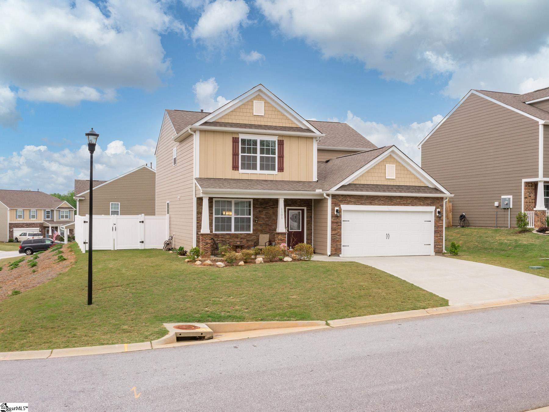 1101 Downing Bluff Drive Simpsonville, SC 29681