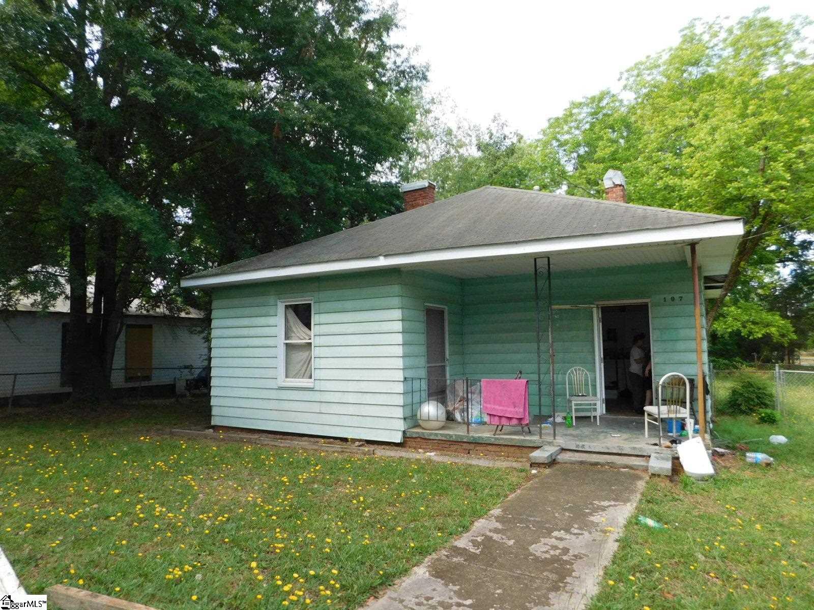 107 N Marion Street Joanna, SC 29351