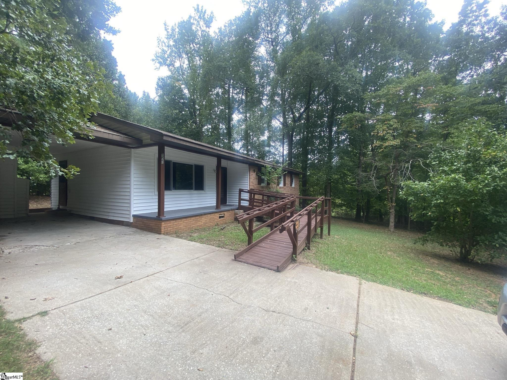 103 Westminister Circle Union, SC 29379