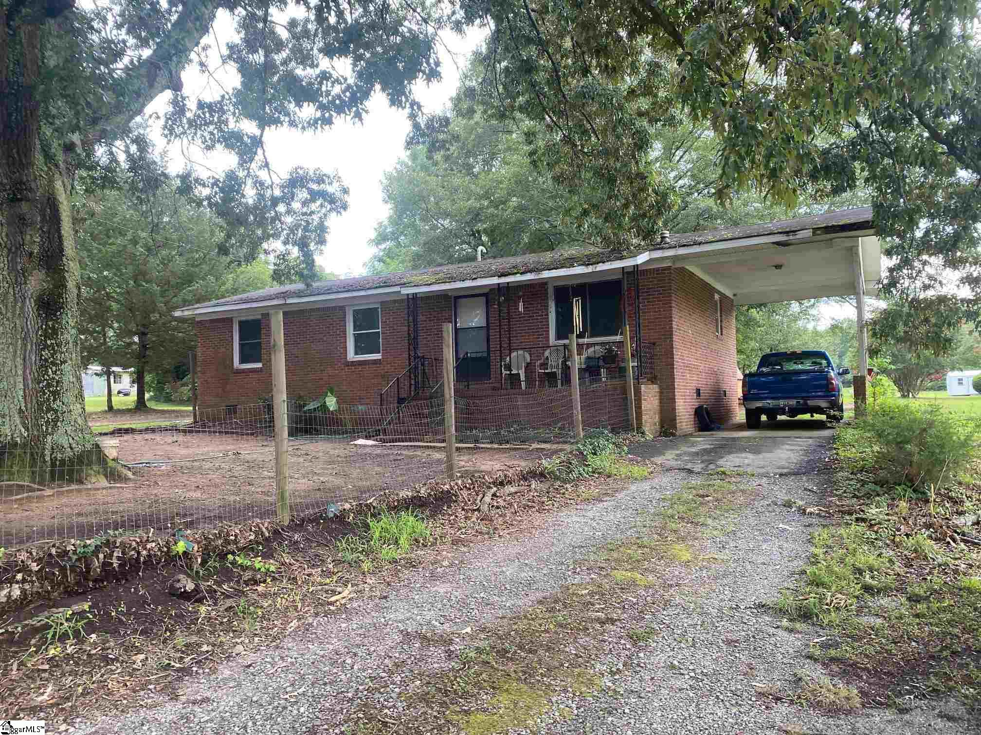7144 South Old Laurens Road Gray Court, SC 29645-5810