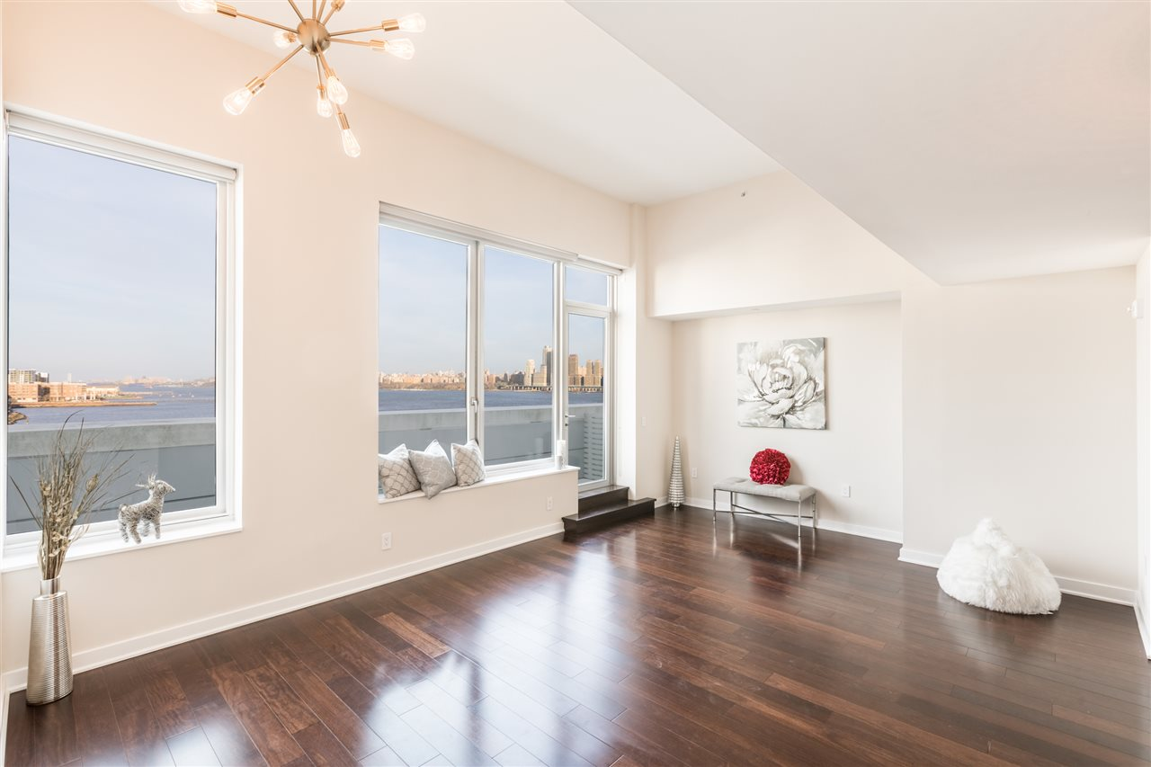 1000 AVENUE AT PORT IMPERIAL PH702, Weehawken, NJ 07086