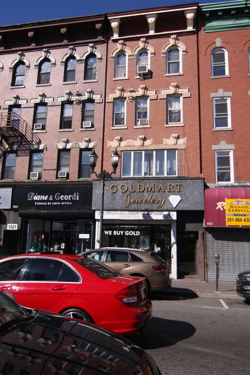 5523 BERGENLINE AVE, West New York, NJ 07093