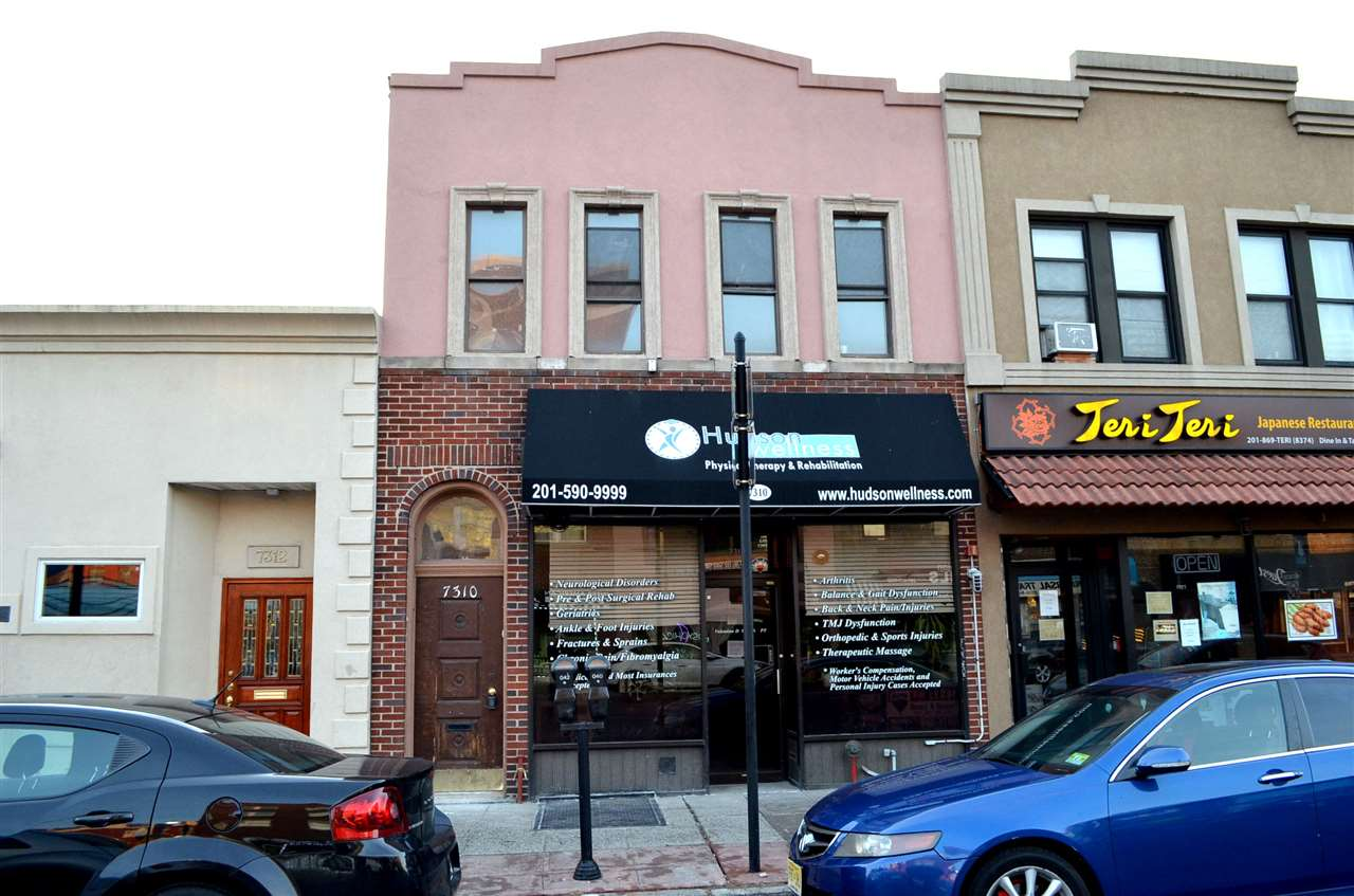 7310 BERGENLINE AVE, North Bergen, NJ 07047