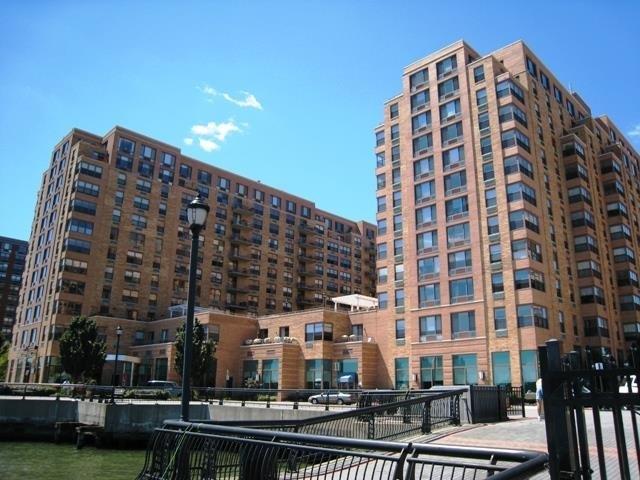 2 CONSTITUTION CT 1213, Hoboken, NJ 07030
