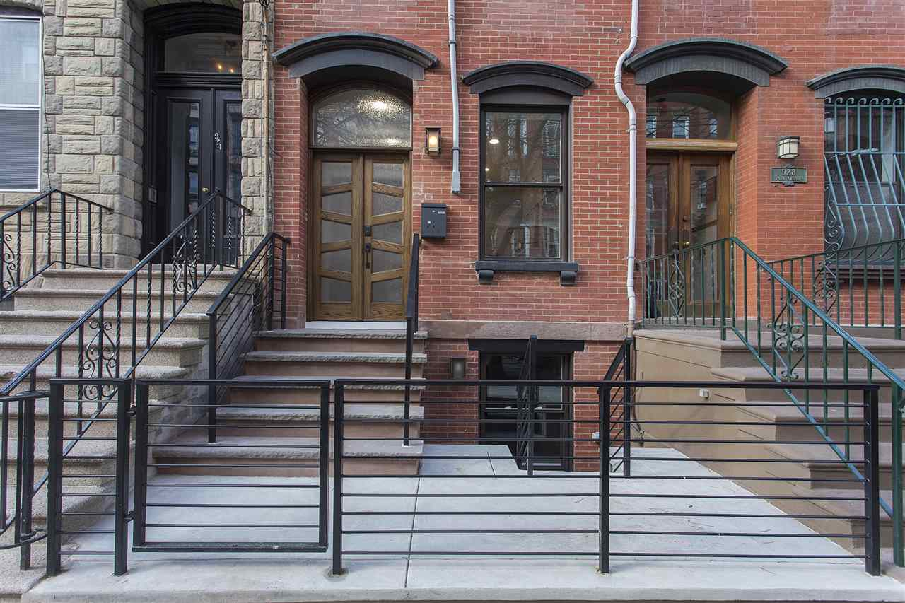 926 PARK AVE, Hoboken, NJ 07030