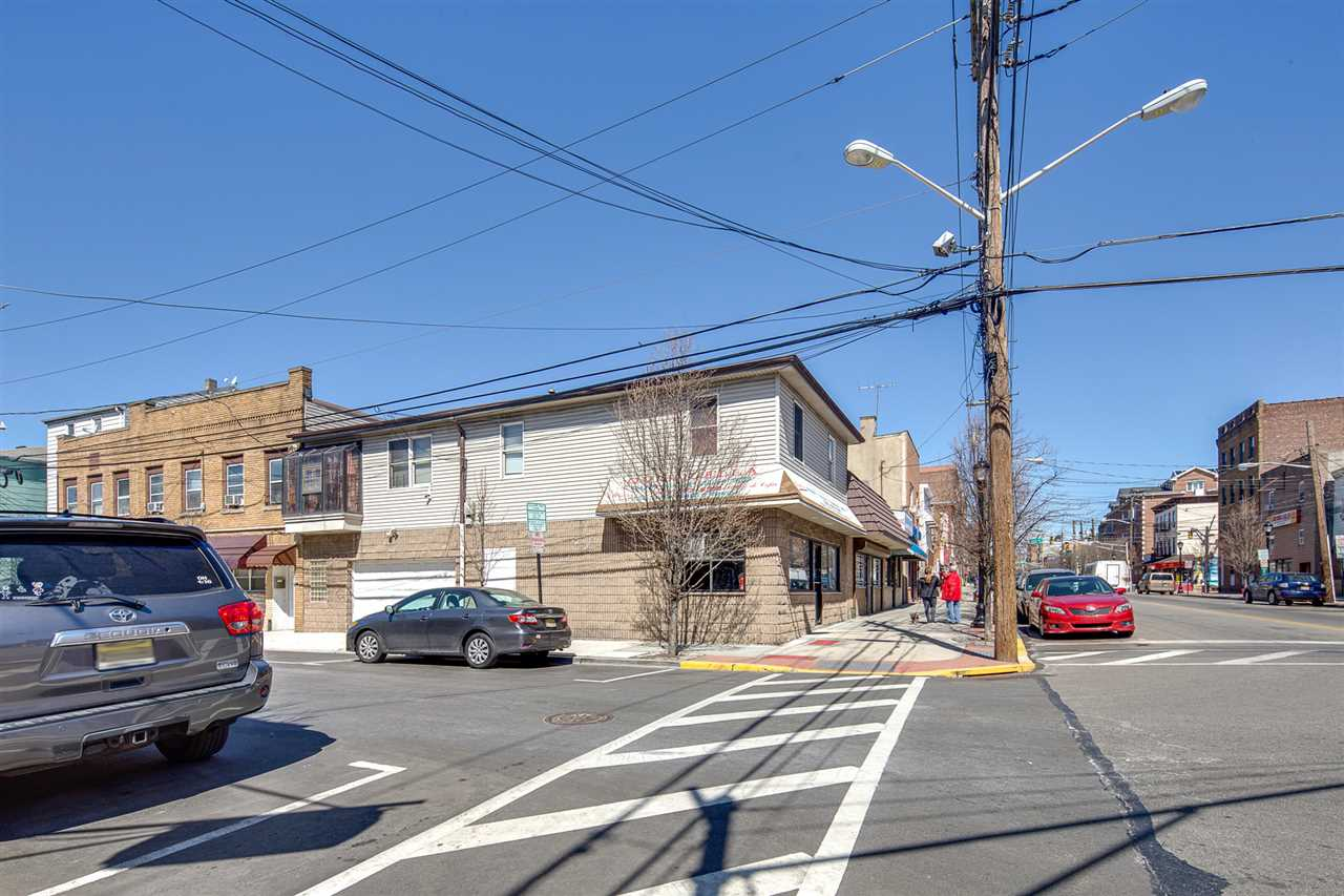 701-703 NEW YORK AVE, Union City, NJ 07087