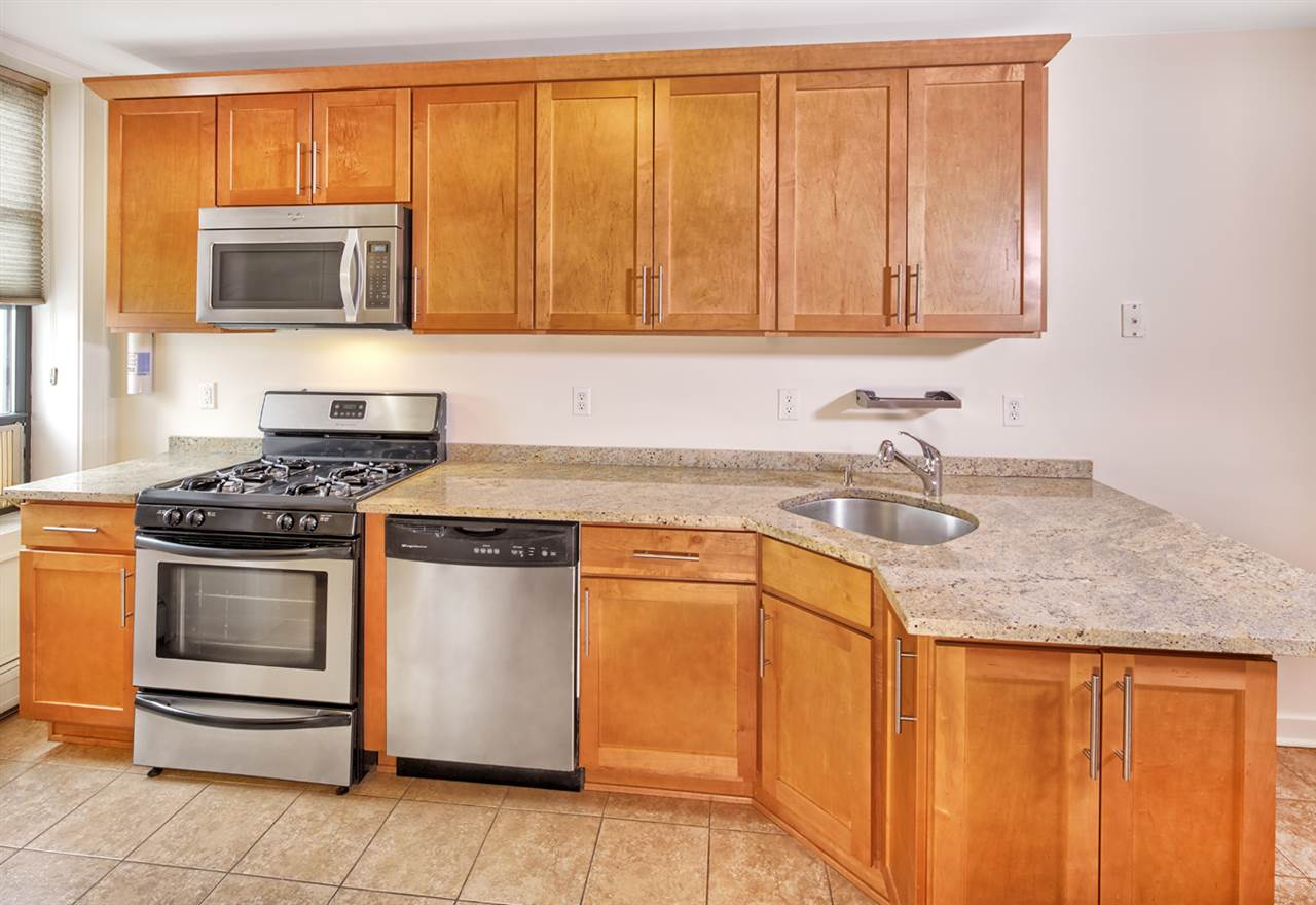 422 BLOOMFIELD ST 3R, Hoboken, NJ 07030