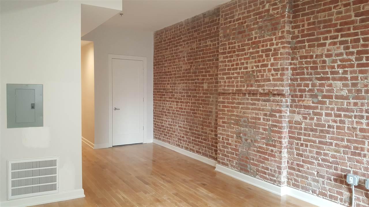 327 ADAMS ST 1R, Hoboken, NJ 07030