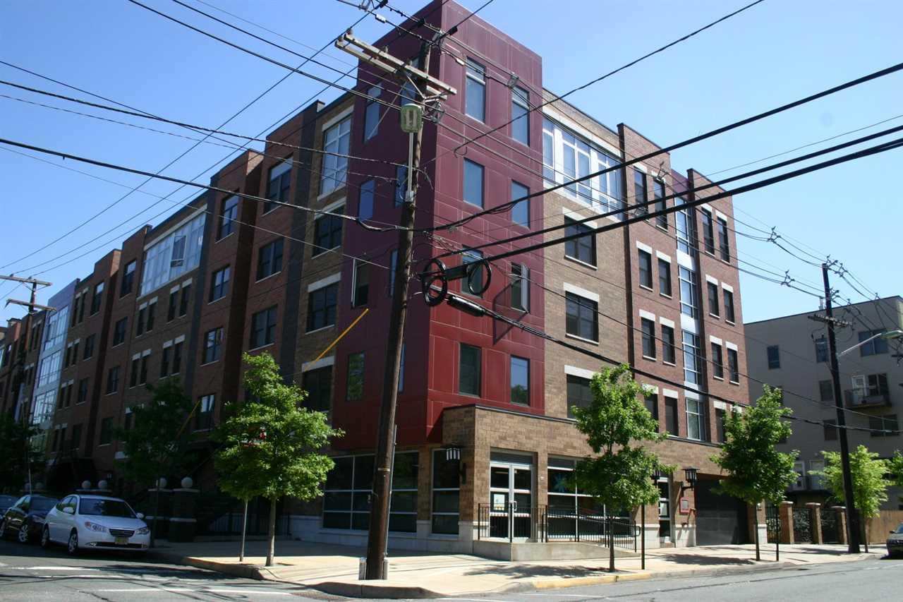 650 2ND ST 2E, Hoboken, NJ 07030