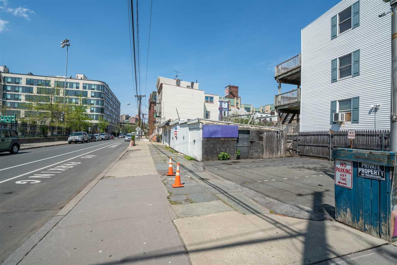 352 PAVONIA AVE, JC, Downtown, NJ 07302