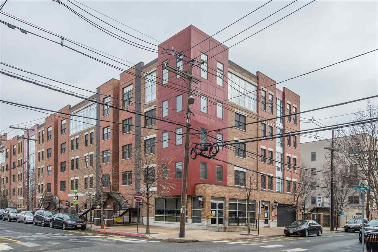 650 2ND ST 3H, Hoboken, NJ 07030