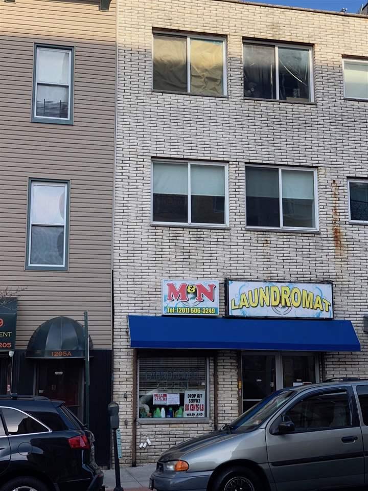 1207 SUMMIT AVE, Union City, NJ 07087