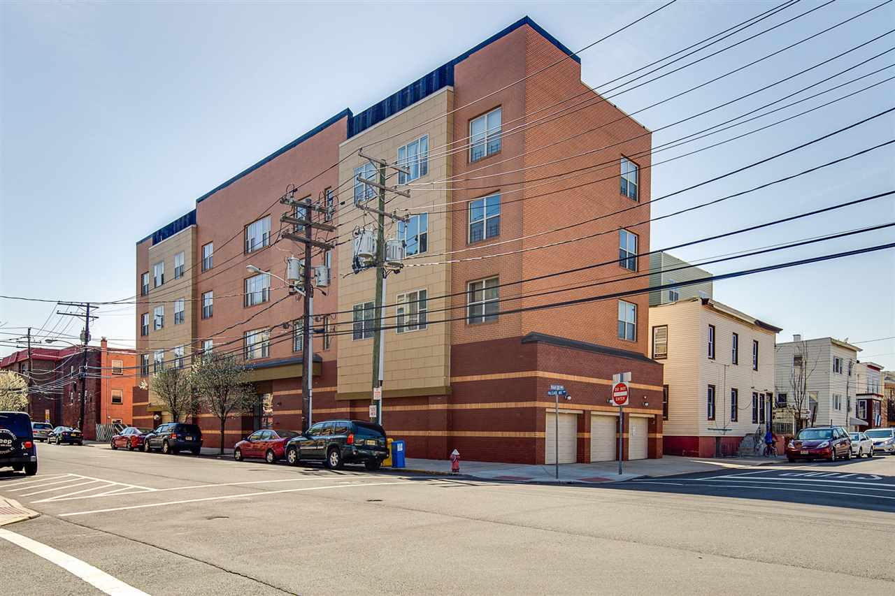 5005 PALISADE AVE, West New York, NJ 07093