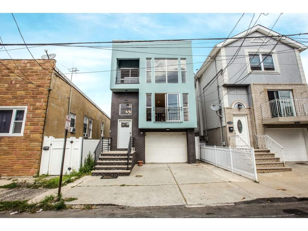 1110 72ND ST, North Bergen, NJ 07047
