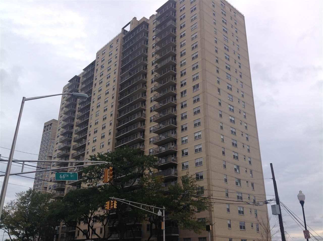 6600 BLVD EAST 21K, West New York, NJ 07093