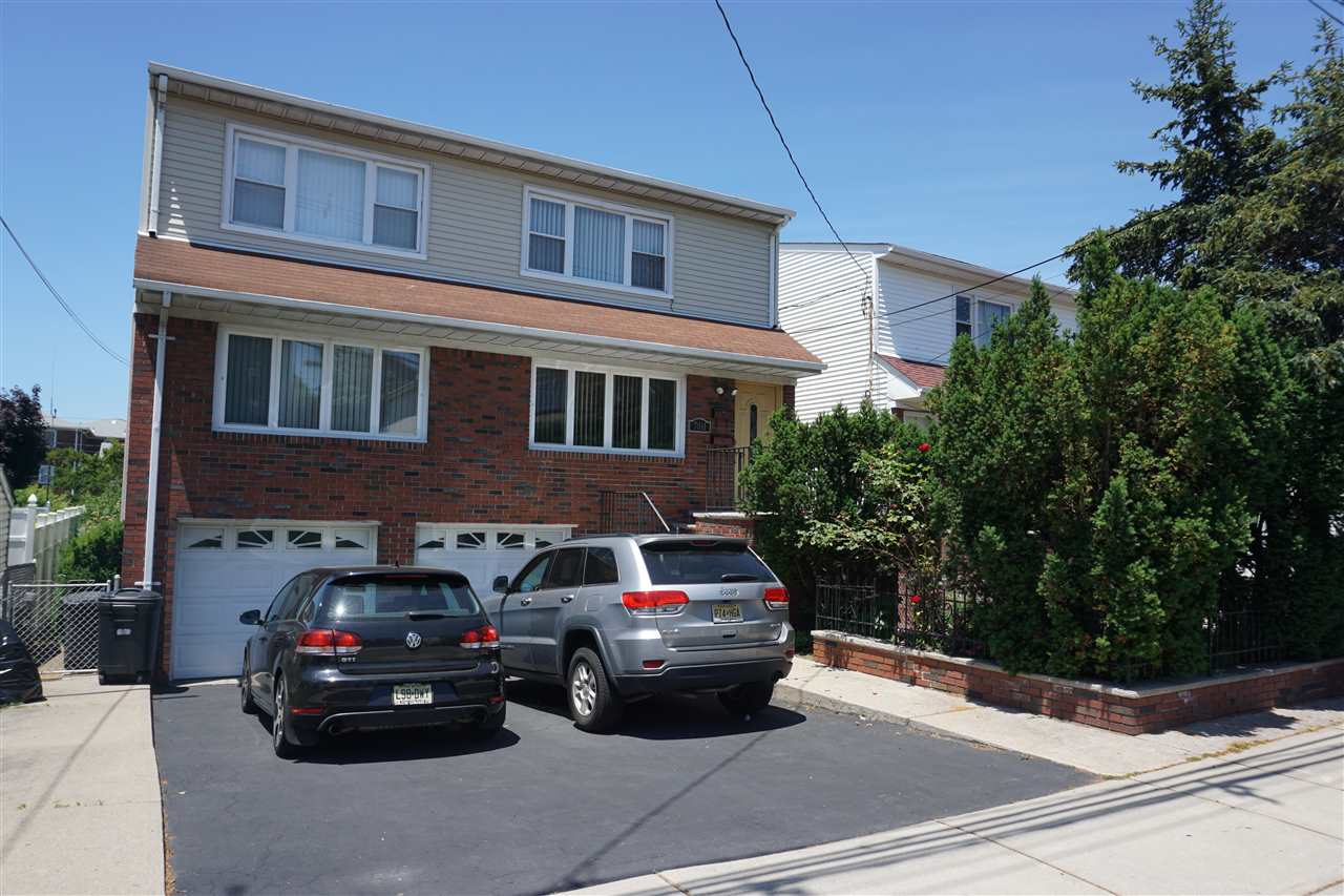7011 DURHAM AVE, North Bergen, NJ 07047