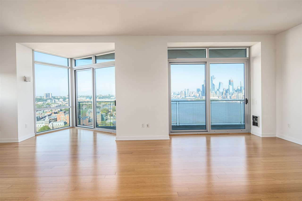 225 RIVER ST 2401, Hoboken, NJ 07030