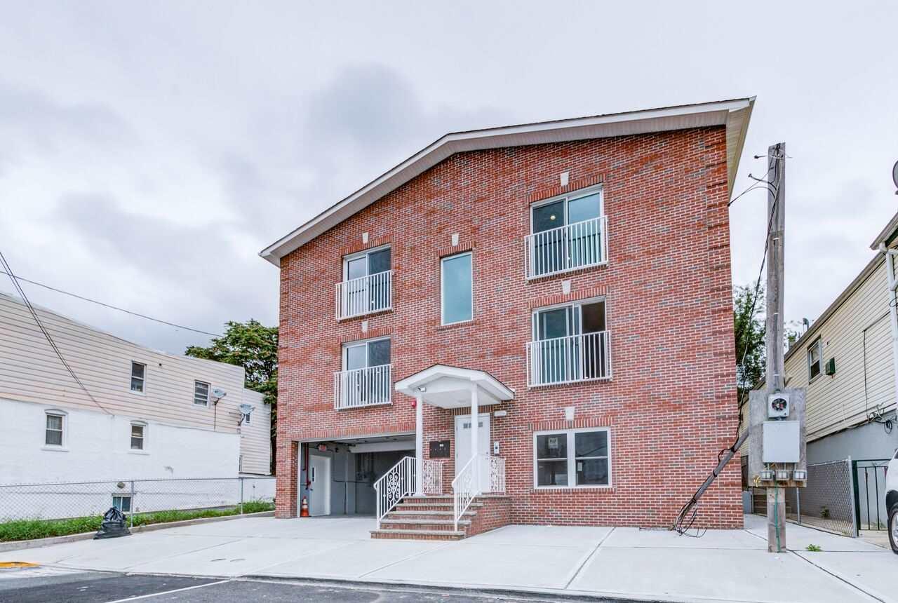 4316 DURHAM AVE, North Bergen, NJ 07047