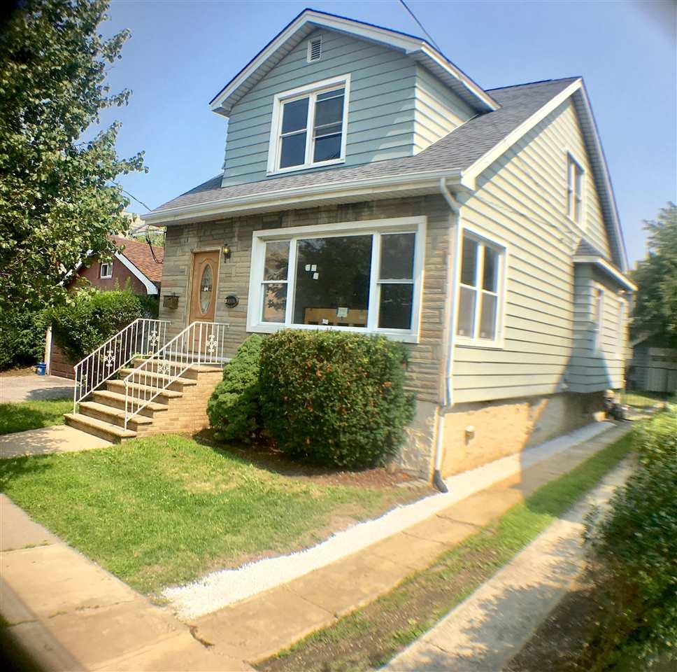 8906 5TH AVE, North Bergen, NJ 07047