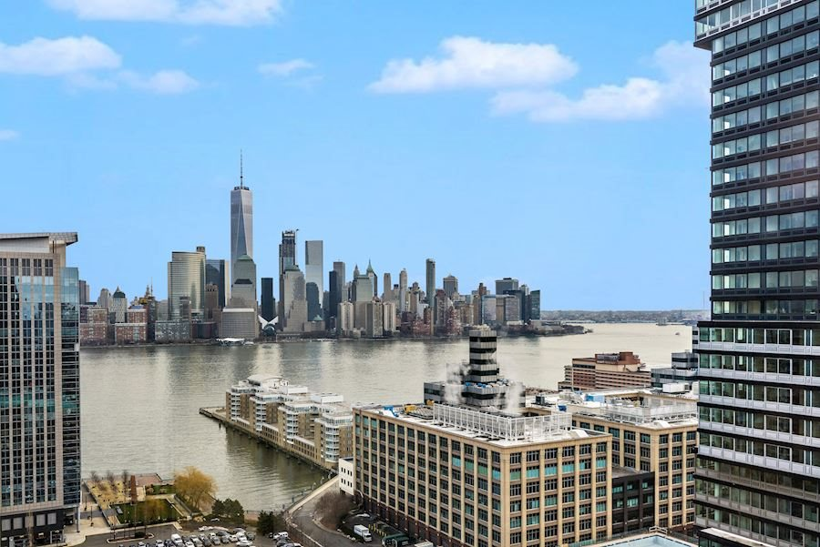 Large, South Facing, Sun-drenched 1 Bed/1 Bath at the Luxurious Portofino. Situated on a quiet tree lined street, this waterfront home features bay windows overlooking downtown NYC & the Hudson, Kitchen with breakfast bar & W/D in unit. Amenities include; 24 hr concierge, gym, heated pool, resident's lounge, business lounge & children's playroom. HOA includes water, hot water, high speed internet & Direct TV. Short walk to all major transportation (Newport & Exchange Path stations, light rail, ferry & bus). Close to Newport Mall, groceries & tons of restaurants and boutique stores that Jersey City has to offer. One covered parking spot included.