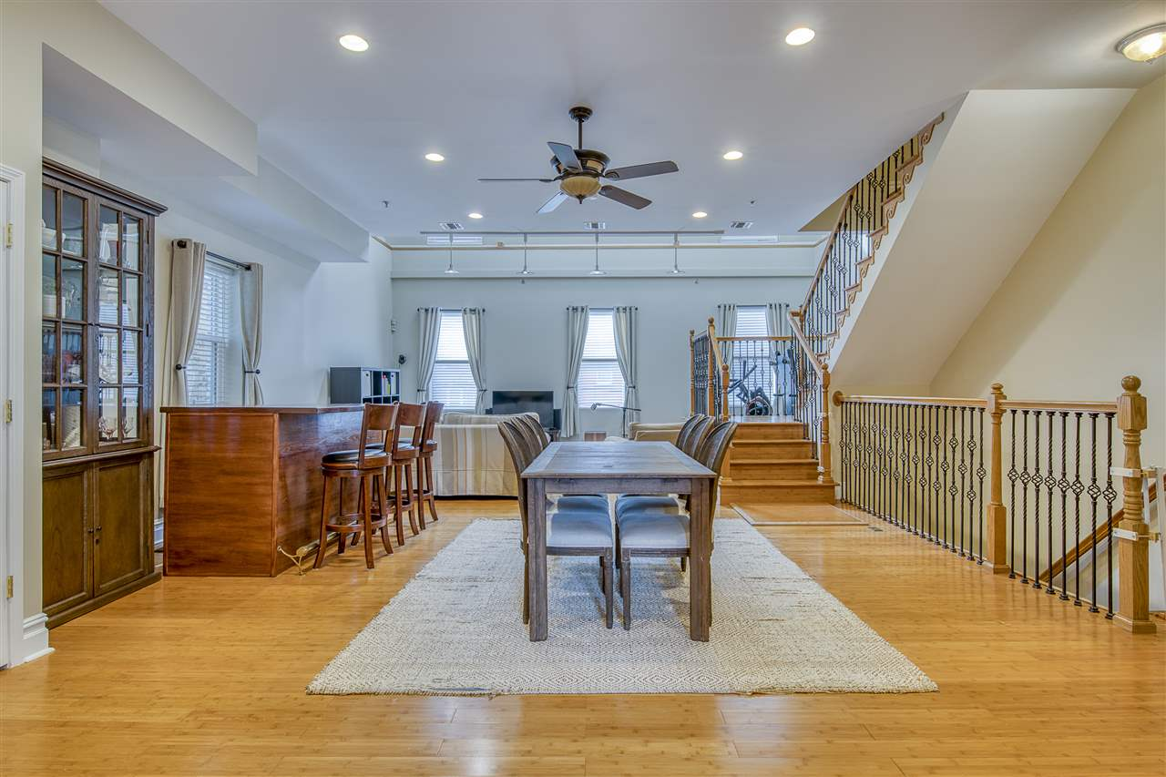 376 PALISADE AVE 3, JC, Heights, NJ 07307