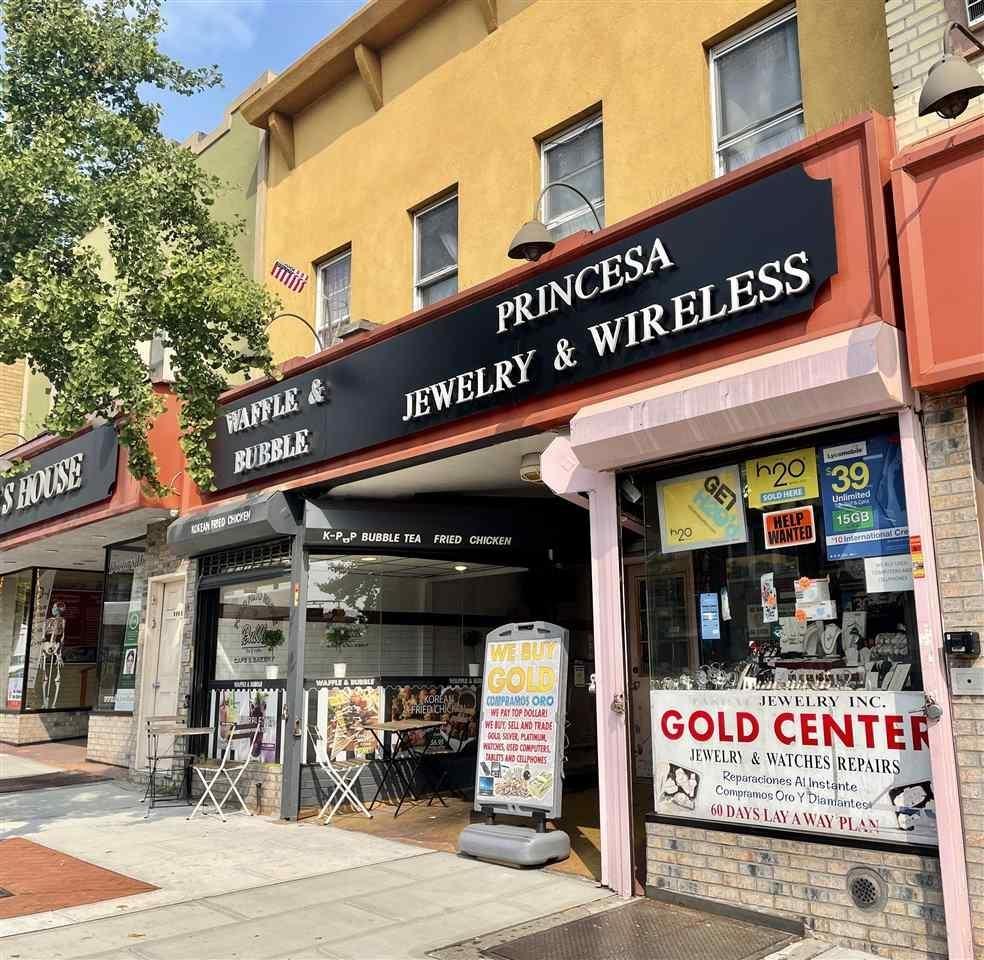 6306 BERGENLINE AVE, West New York, NJ 07093