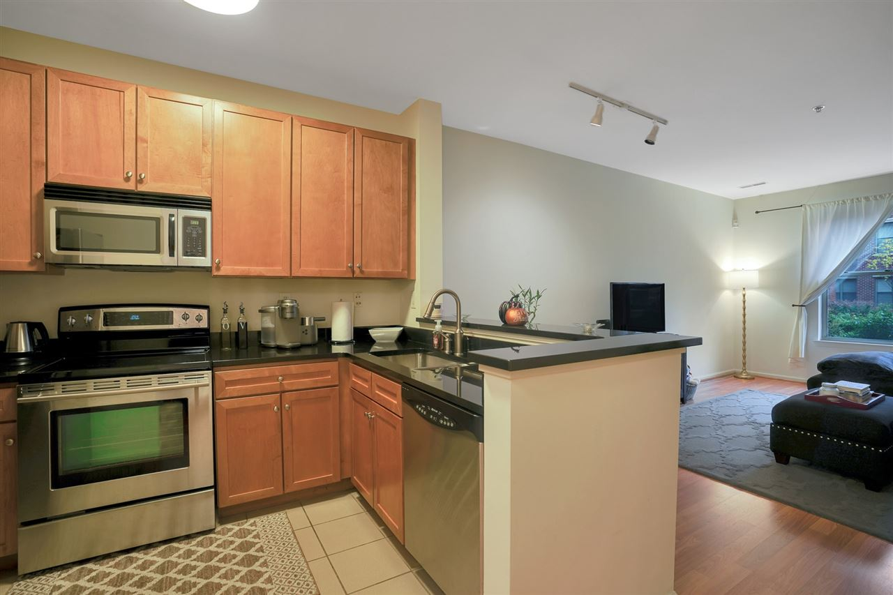 24 AVENUE AT PORT IMPERIAL 129, West New York, NJ 07093