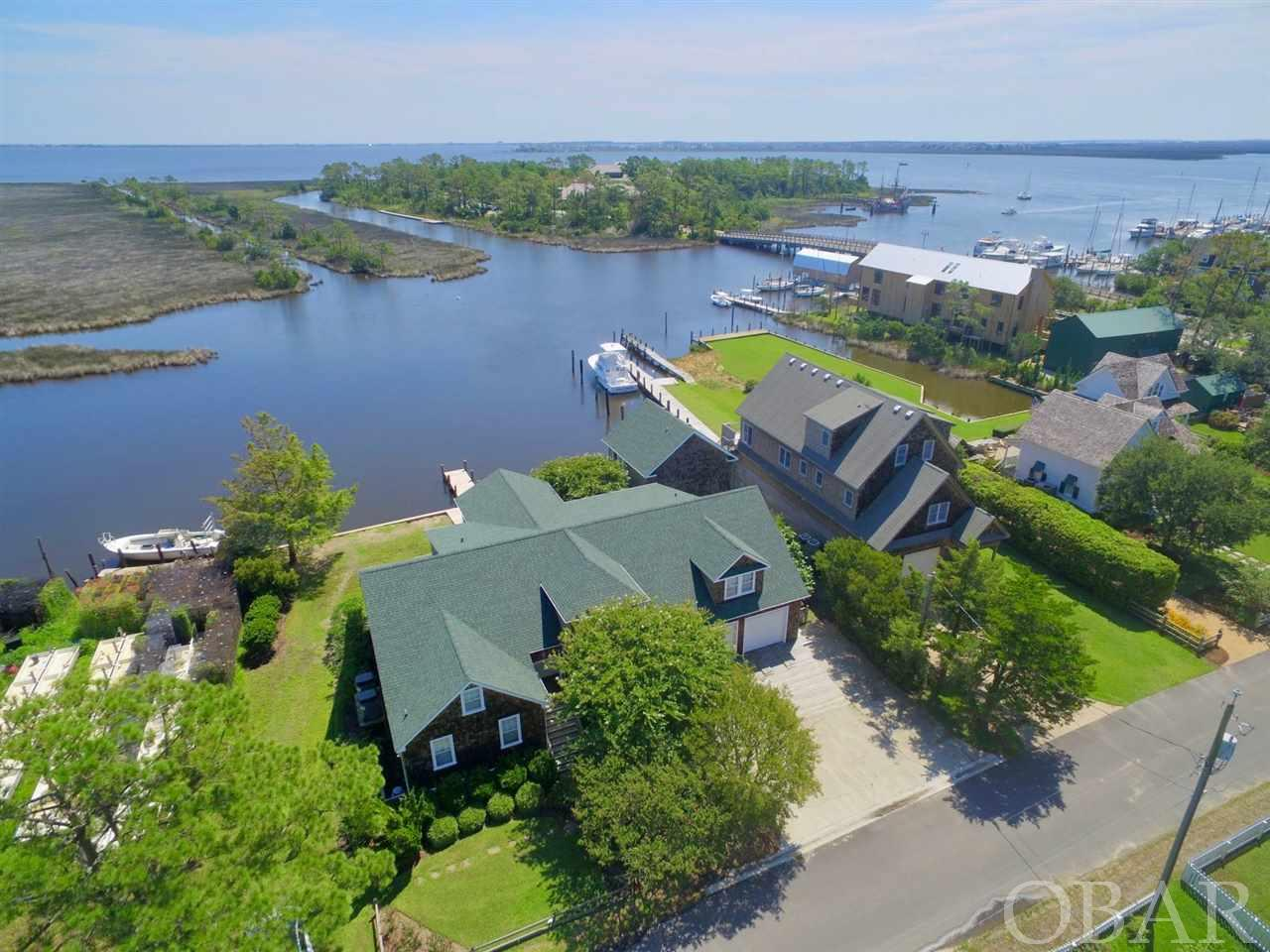 607 Croatan Avenue, Manteo, NC 27954, 6 Bedrooms Bedrooms, ,5 BathroomsBathrooms,Residential,For sale,Croatan Avenue,101622