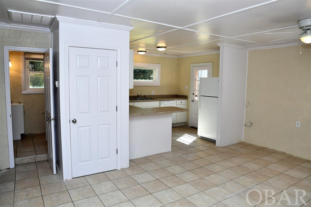 Suffolk Street, Kill Devil Hills, NC 27948, 2 Bedrooms Bedrooms, ,1 BathroomBathrooms,Residential,For sale,Suffolk Street,104124