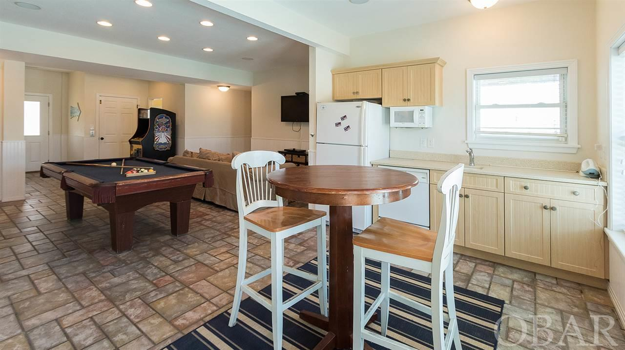 833 Lighthouse Drive, Corolla, NC 27927, 12 Bedrooms Bedrooms, ,13 BathroomsBathrooms,Residential,For sale,Lighthouse Drive,105419