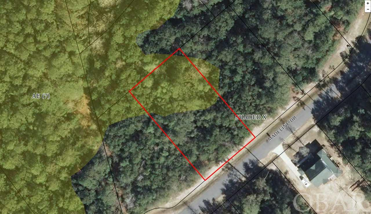Large prime building location in beautiful Alder Branch Estates in North Manteo