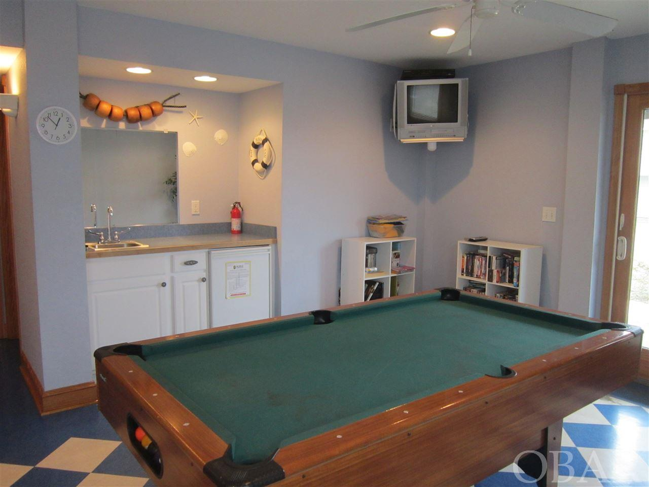 103 Second Street,Kill Devil Hills,NC 27927,5 Bedrooms Bedrooms,3 BathroomsBathrooms,Residential,Second Street,97094